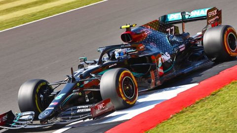 Bottas venció a Hamilton para la pole