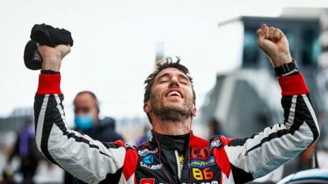 Esteban Guerrieri ganó en Nordschleife, con piso mojado