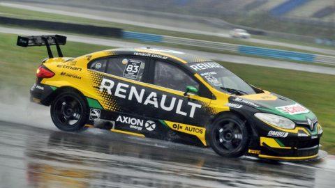 Facundo Ardusso marcó la pole con piso mojado