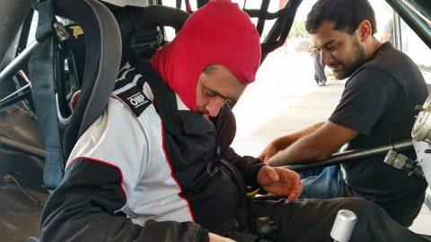 Hernán Ansoleaga con el auto campeón