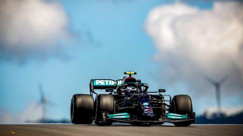 Mercedes adelantó a Red Bull en Portimao