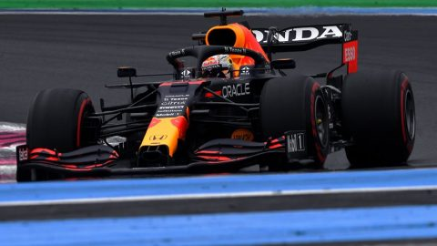 Max Verstappen y una pole categórica